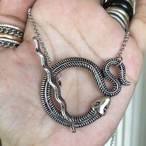 Silverskylight Jewelry - Silver snake toggle clasp choker necklace